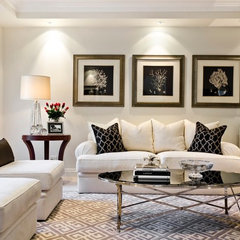 traditional living room by Highgate House