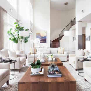 Imagen de salón para visitas abierto, clásico renovado, grande, con paredes blancas