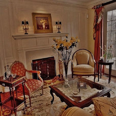 Traditional Living Room by Delier & Delier