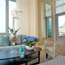 Contemporary Living Room by M. GRACE DESIGNS, INC.