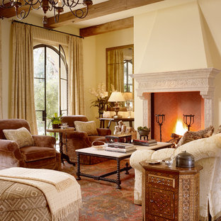 Example of a classic living room design in San Francisco