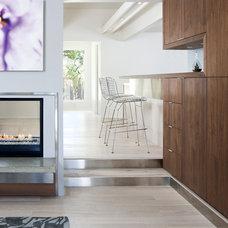Modern Living Room by atelier KS