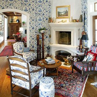 Idée de décoration pour un salon tradition avec une cheminée d'angle.