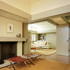 Modern Living Room by Chu+Gooding Architects