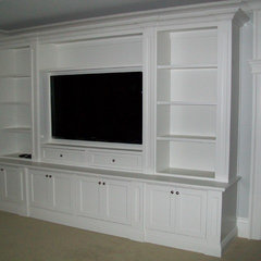 traditional living room by CustomBuilt-ins.com / CFM Company Inc.
