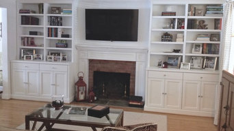 Entertainment Centers and Built-ins