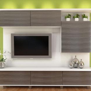 Idee per un soggiorno moderno di medie dimensioni e aperto con pareti verdi, parquet chiaro, TV a parete e nessun camino