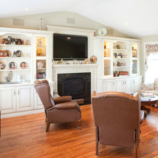 Traditional Living Room by Enns Cabinetry Inc.