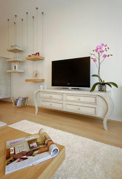 Contemporary Living Room by Neslihan Pekcan/Pebbledesign