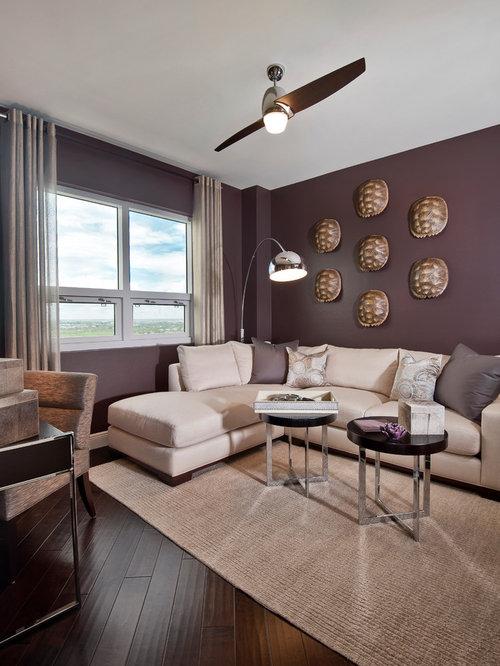 wohnzimmer mit dunklem holzboden und lila wandfarbe ideen design bilder houzz. Black Bedroom Furniture Sets. Home Design Ideas