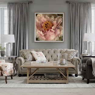 Inspiration for a traditional living room in New York.