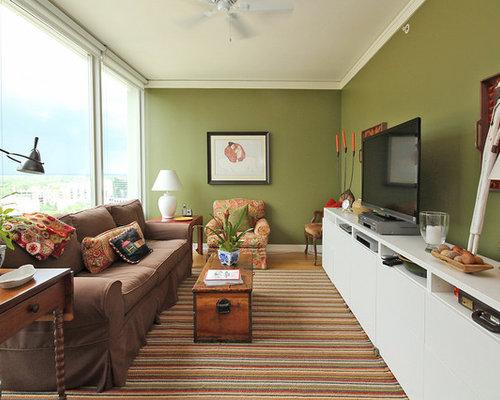 eklektische wohnzimmer mit grnen wnden und freistehendem tv in chicago - Bild Wohnzimmer Besta