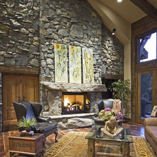 Traditional Living Room by LANDMARK TRADITIONS