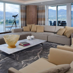 contemporary living room by Claudia Leccacorvi