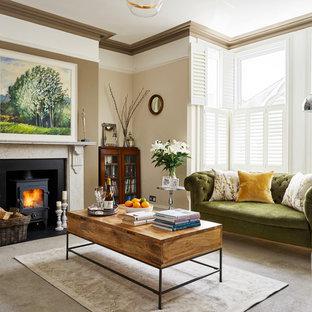 Salon classique avec un poêle à bois : Photos et idées déco de salons