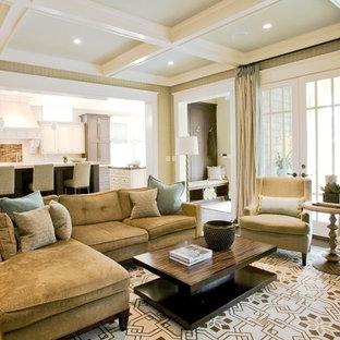 Свежая идея для дизайна: большая открытая, парадная гостиная комната в классическом стиле с бежевыми стенами и паркетным полом среднего тона без камина, ТВ - отличное фото интерьера