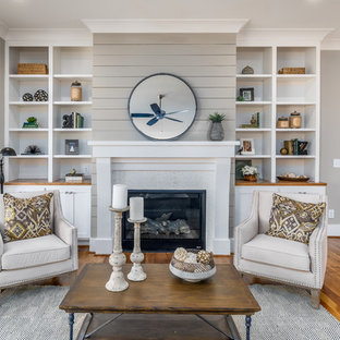 75 Most Popular Farmhouse Living Room With Gray Walls Design Ideas