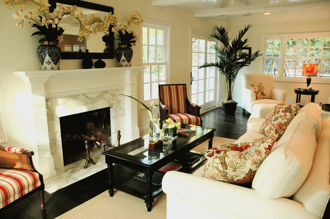 Traditional Living Room by Dave Lane Construction Co.