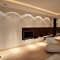 Contemporary Living Room by PuurFlow