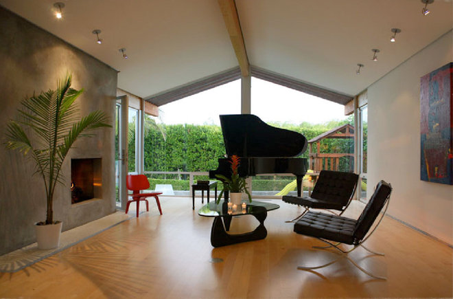 Midcentury Living Room by Markus Canter (FCB:Design)