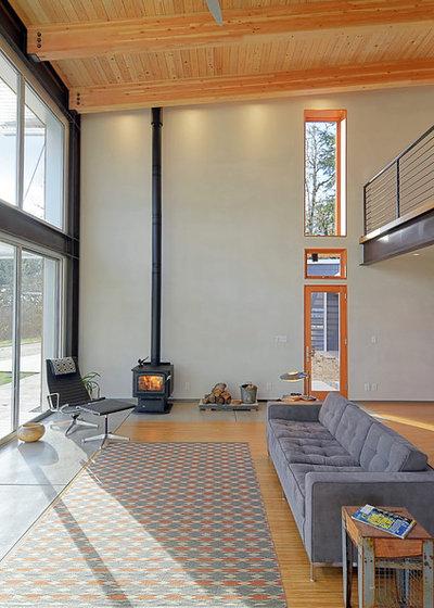 Contemporary Living Room by STUDIO-E Architecture