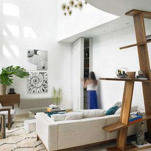 Idées déco pour un grand salon moderne ouvert avec un mur blanc et un sol en marbre.