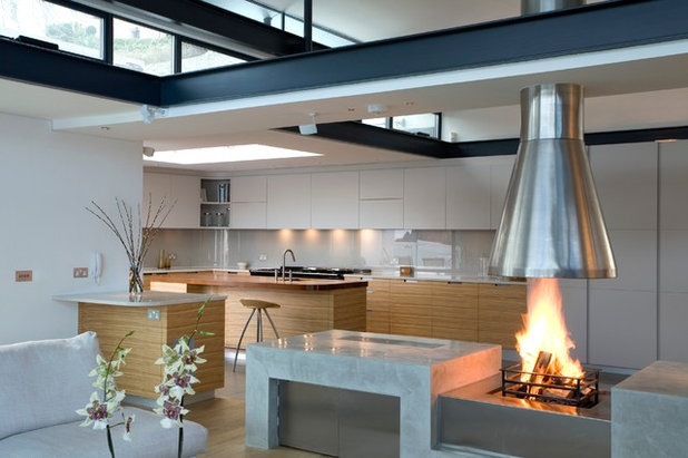 Contemporary Living Room by Artichoke