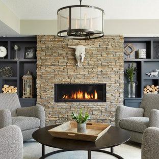 Großes, Fernseherloses, Repräsentatives, Abgetrenntes Klassisches Wohnzimmer mit grauer Wandfarbe, Gaskamin, Teppichboden und Kaminumrandung aus Stein in Minneapolis
