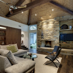contemporary living room by Domiteaux + Baggett Architects, PLLC