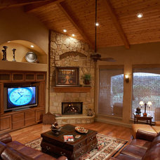 Traditional Living Room by AUSTIN DESIGN GROUP