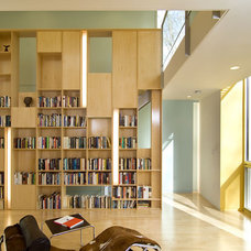 Contemporary Living Room by KUBE architecture