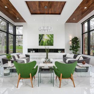 Idéer för att renovera ett funkis vardagsrum, med ett finrum, vita väggar, en bred öppen spis och vitt golv