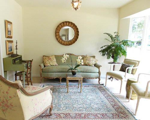 small traditional living room design photos with travertine floors - Site Travertin Ba