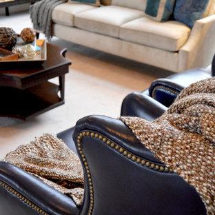 Ispirazione per un soggiorno chic di medie dimensioni e aperto con sala formale, pareti grigie, moquette, camino classico, cornice del camino piastrellata, TV autoportante e pavimento beige