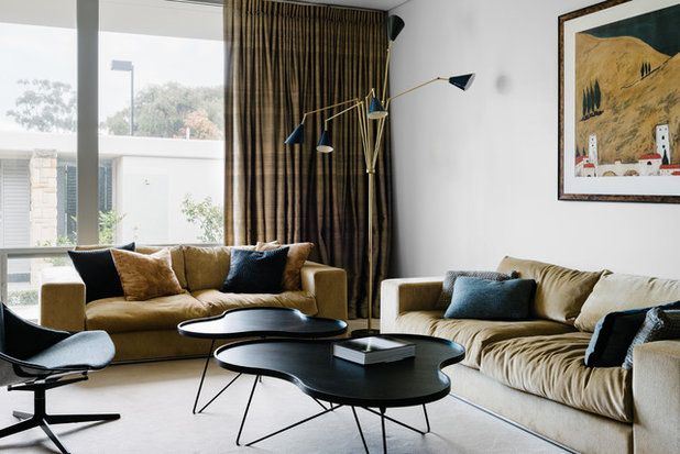 Midcentury Living Room by Kim Pearson Pty Ltd