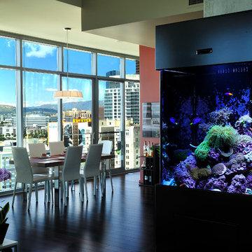 Free standing custom aquarium living reef