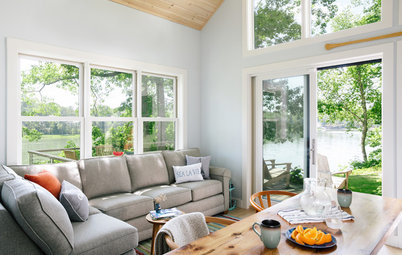 Houzz Tour: Coastal Maine Home Celebrates White, Wood and Windows
