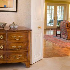 Traditional Living Room by Kitchen Classics - Charles Heller