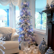 Guest Picks : A Blue and White Chinoiserie Christmas