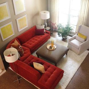 Idee per un soggiorno minimalista di medie dimensioni e aperto con pareti beige, pavimento in sughero e sala formale