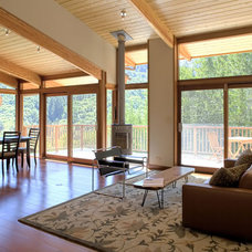 Modern Living Room by Fulcrum Structural Engineering