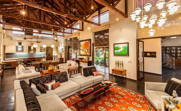 Contemporary Living Room by Kumar Moorthy & Associates