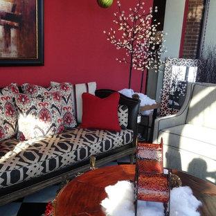 クリーブランドのアジアンスタイルのおしゃれなリビング (赤い壁、暖炉なし、テレビなし) の写真