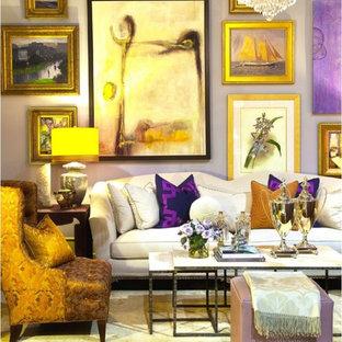 Idee per un ampio soggiorno eclettico aperto con sala formale e pareti viola