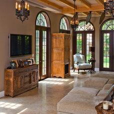 Traditional Living Room by Murray Homes