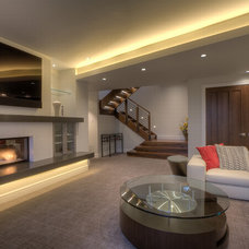 Contemporary Living Room by Sun Mountain, Inc.