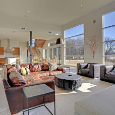 Modern Living Room by Spacecrafting / Architectural Photography