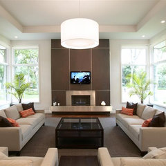 contemporary living room by GETAdesign, LLC