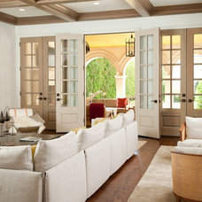 Mediterranean Family Room by TATUM BROWN CUSTOM HOMES