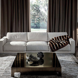 Example of a mid-sized living room design in Miami